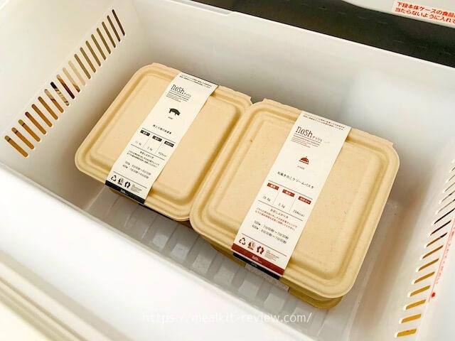 noshのお弁当を冷凍庫に入れた様子